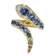 @mucevhertutkusu.  Sapphire snake ring #mingjewellery