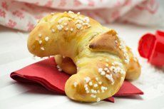 Burgenländische Nusskipferl - Rezept   GuteKueche.at American Cheesecake, German Cookies, Crepes, Bagel, Biscotti, Brunch, Bread, Food, Pains