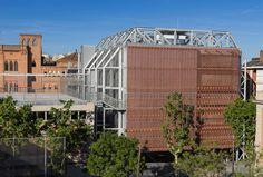 Ampliación escuela Teresianas-Ganduxer por Picharchitects. Fotografía © Simón García. Señala encima de la imagen para verla más grande.