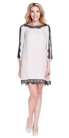 Платье mini с черным кружевом