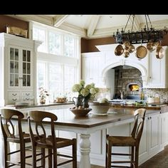 Such a beautiful kitchen!