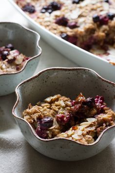 edible perspective - Home - Rhubarb Berry Baked Oatmeal-gluten free Breakfast Dishes, Breakfast Recipes, Cooking Recipes, Amish Recipes, Dutch Recipes, Yummy Recipes, Baked Oatmeal, Rhubarb Oatmeal, Quinoa