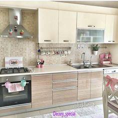 Este posibil ca imaginea să conţină: bucătărie şi interior Kitchen Furniture, Kitchen Dining, Kitchen Decor, Furniture Design, Kitchen Organization Pantry, Kitchen Storage, Kitchen Cabinet Colors, Kitchen Cabinets, Design Your Own Home