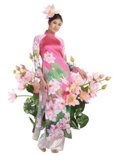 Ao Dai & Lotus. Designer: Minh Hanh. Photo: Hai Dong. Model: Ngoc Han