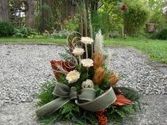 All Saints' grave arrangement- Grabgesteck Allerheiligen All Saints' grave arra. All Saints' grave Orchid Flower Arrangements, Christmas Floral Arrangements, Garden Types, Garden Front Of House, Grave Decorations, Funeral Flowers, Types Of Flowers, Plant Design, Flower Bouquet Wedding