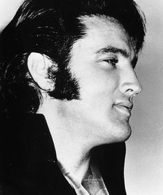 Elvis during a press conference at the International Hotel, August 1st, 1969.