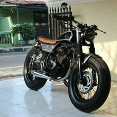 #bratstyle discover #motomood Tracker Motorcycle, Scrambler Motorcycle, Bobber, Modern Cafe Racer, Cooler Look, Street Tracker, Moto Style, Sexy Cars, Cool Bikes
