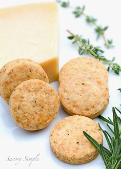 Parmesan Shortbread Crackers with Herbs - Savory Simple - Why buy crackers when they're so easy to make at home? These shortbread crackers use fresh herbs - Savoury Biscuits, Savoury Baking, Cookies Et Biscuits, Shortbread Cookies, Shortbread Recipes, Almond Cookies, Chocolate Cookies, Bread Baking, Brunch