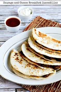 Sausage and Cheese Breakfast Quesadillas – Kalyn's Kitchen Breakfast Quesadilla, Breakfast Food List, Quesadilla Recipes, Low Carb Breakfast, Sausage Breakfast, Breakfast Recipes, Breakfast Cereal, Quick And Easy Breakfast, Breakfast On The Go