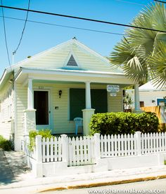 simple little key west house Love the color for our new house :)