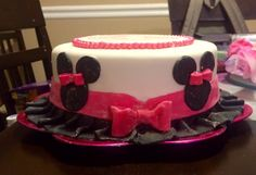 Minnie Mouse Birthday cup cake