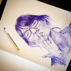 Geraldine Ramírez ballpoint pen draw. Blue Bic. Selfportrait, 2015.
