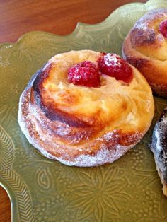 Recipe for the amazing sweet buns we had at Macrina in Seattle last weekend!!!! Yessss!