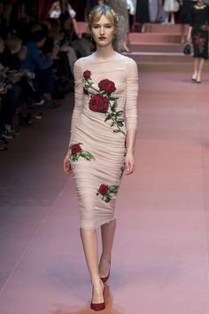 The familial Dolce & Gabbana Fall 2015 Runway| Be Inspirational ❥|Mz. Manerz: Being well dressed is a beautiful form of confidence, happiness & politeness