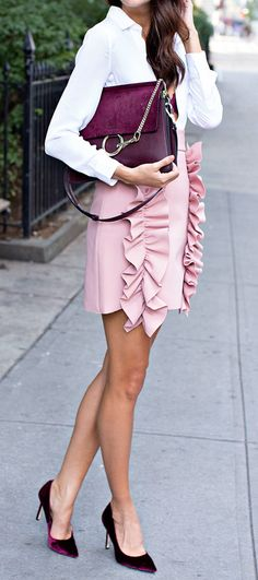 Loving this blush & burgundy trend