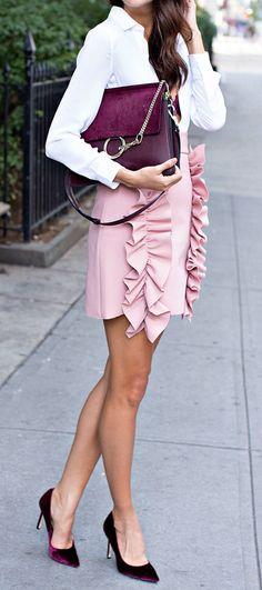 Loving this blush & burgundy trend