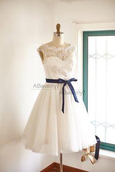 Lustige kurze Spitze Tüll Hochzeit Kleid Brautkleid von ABoverly1