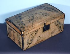 Jeff Bridgman Antiques and American Flags - RUFUS PORTER-ATTRIBUTED, DOME-TOP BOX