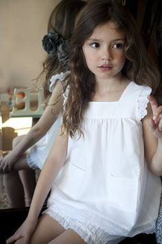 Nate and Willa's daughter in the future! Omg she looks just like the two of them! Cute Little Girls, My Little Girl, Little Girl Dresses, Little Princess, Cute Kids, My Girl, Flower Girl Dresses, Outfits Niños, Kids Outfits