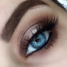 Makeup looks simple eye make up Ideas Simple Eye Makeup, Blue Eye Makeup, Smokey Eye Makeup, Skin Makeup, Easy Makeup, Makeup Brushes, Eyeshadow For Blue Eyes, Smoky Eye For Blue Eyes, Natural Makeup