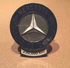 Brand-New-Mercedes-Benz-250-000-km-High-Mileage-Award-Medallion-Grill-Badge
