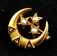 Delta Delta Delta Sorority Pin w/ Seed Pearl Accents in 10K Yellow Gold