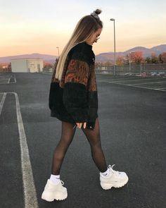 Women's Fashion Outfits Ideas - Fashion Ideas Mode Outfits, Trendy Outfits, Winter Outfits, Look Fashion, Teen Fashion, Fashion Outfits, Runway Fashion, Looks Rockabilly, Mode Instagram