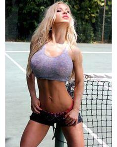 The sun shining down on my face: what a GREAT feelin! 💋💋💋 #jennypoussin #fitness #fitnessmodel #bikinibody - @realjennypoussin