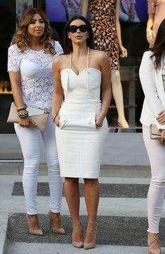 57 Ideas for kim kardashian bridal shower dress outfit White Fashion, Love Fashion, Womens Fashion, Look Kim Kardashian, Kim Kardashian Wedding Dress, Kim Kardashian Pregnant, Kardashian Family, Post Baby Fashion, Estilo Glamour