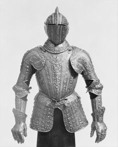 Half Armor Probably Made for Don Gonzalo Fernández de Córdoba y Fernández de Córdoba, Duke of Sessa (1520/1524–1578)