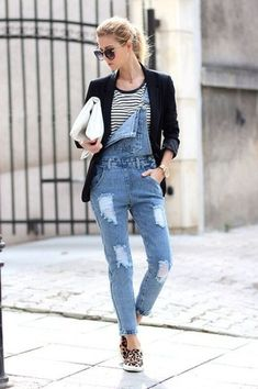 How to Look Chic in Denim Overalls Womens Denim Overalls, Overalls Outfit, Blazer Outfits, Jean Outfits, Cool Outfits, Casual Outfits, Jean Overalls, Dungarees, Winter Fashion Casual