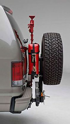 Hitchgate™ Hi-Lift Jack and Steel Jerry Can Mounting Kit Chevy Trucks Older, Old Ford Trucks, Lifted Chevy Trucks, Jeep Truck, Truck Camping, Pickup Trucks, Tactical Seat Covers, Tire Rack, Ford Excursion