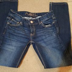 Straight leg jeans in great condition Rue 21 Never worn straight leg jeans, very comfortable... Rue 21 Jeans Straight Leg