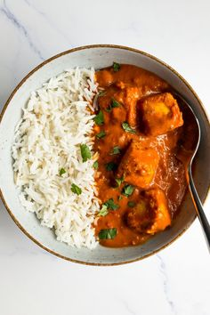 This paneer tikka masala recipe is super easy to make and very delicious! Paneer tikka masala is a vegetarian Indian dish that is super flavorful and very quick to make. Gluten-free and vegetarian recipe. Perfect for dinner and meal prep. Best Paneer Recipes, Indian Food Recipes, Real Food Recipes, Vegetarian Curry, Vegetarian Recipes, Paneer Tikka Masala Recipe, Indian Cheese, Curry Dishes, Dinner Recipes