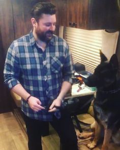 Country music star Chris Young's dog, Porter, is almost Get to know the handsome German Shepard better here. Chris Young Concert, Chris Young Songs, Alan Young, Easton Corbin, Dustin Lynch, Justin Moore, Jake Owen, Thomas Rhett, Florida Georgia Line