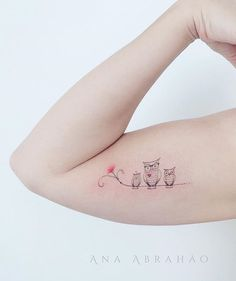 Tattoo artist : Ana Abrahao  Happy owl family