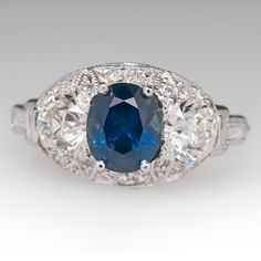 Getting engaged or married? Want a unique ring ? Eragem has estate and vintage rings. #ad #bride #wedding #engagement #coloredstones #emeralds #sapphires