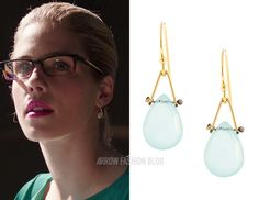 "Felicity wears Lulu Designs in 4x13 ""Sins of the Father"""