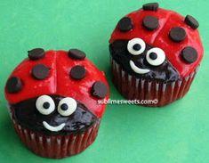 Ladybug Cupcakes ~ too cute! Ladybug Cupcakes, Snowman Cupcakes, Ladybug Party, Giant Cupcakes, Cupcake Day, Cupcake In A Cup, Cupcake Cookies, Rose Cupcake, Cupcake Pictures