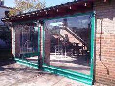 Lona Cerramiento Pvc Cristal Transparente - Toldos - $ 600,00 Rooftop Deck, Pergola, Porch Ideas, Porches, Garage, Porch, Garden, Front Porches, Covered Patios