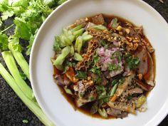Jin-jang tányér pacalból, szívből, csiliből. Avagy hideg nyári hússaláta.