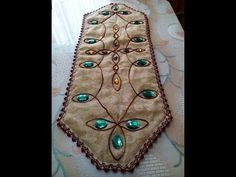 COJIN ESTILO HINDU 004 - YouTube Diy, Drop Earrings, Quilts, Youtube, Molde, Embroidery Stitches, Hand Embroidery, Table Runner Tutorial, Christmas Crafts