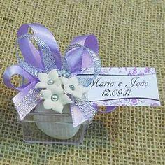 Lembrancinha de Casamento Caixa de Acrílico Decorada com Sabonete $4.90