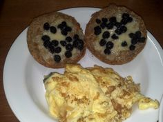 Breakfast 11/21/12 – Two eggs (140) cooked in 1 tbsp butter (100) with 1/4 cup shredded paremsan (110), oneEzekiel English Muffin(160), one sliceApplegate Extra Sharp Cheddar Cheese(110), blueberries (65), swiss chard, bell pepper, leeks cooked inImagine Organic Free Range Chicken Broth. Total calories 685.