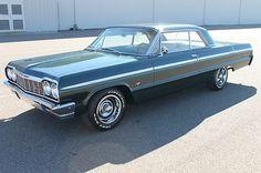 1964 Chevrolet Impala SS, 350 F*cking beautiful. Impala Ss 1964, 63 Chevy Impala, Retro Cars, Vintage Cars, Antique Cars, Chevy Muscle Cars, Sport Cars, Race Cars, American Muscle Cars