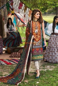 Fabric lawn Product code Front neck embroidered Lawn dupatta Price 1800 For More Details please contact whatsapp 03344006424 . Pakistani Designer Clothes, Latest Pakistani Dresses, Pakistani Dress Design, Pakistani Designers, Pakistani Outfits, Designer Dresses, Pakistani Street Style, Party Wear Dresses, Online Dress Shopping