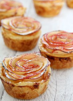 "Tartelettes roses de pommes – Les Gourmandises de Lou Pink apple tarts ""Contrary to what you may think, the preparation is childishly simple. In just 15 minutes you will get magnificent tarts that will amaze your guests! Mini Desserts, Delicious Desserts, Dessert Recipes, Bon Dessert, Mini Apple Tarts, Sweet Recipes, Sweet Tooth, Sweet Treats, Food And Drink"