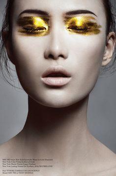 Glass Magazine, Issue #11 (Autumn 2012). Photo byBojana Tatarska. Hair byYusuke Taniguchi. Make-up byAlice Ghendrih.