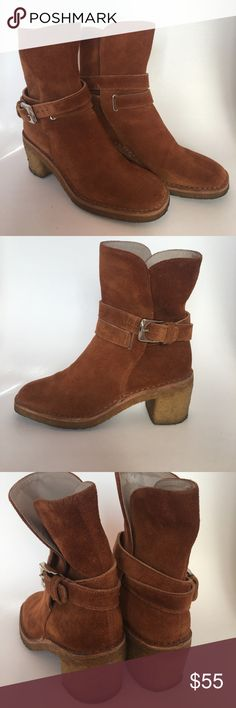 "Marc by Marc Jacobs Suede Booties Marc by Marc Jacobs Suede booties. Medium brown suede with ankle wrap detail. Crepe/runner chunky 2.5"" heel. Good condition. Marc By Marc Jacobs Shoes Ankle Boots & Booties"