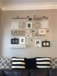 36 Wonderful Home Interior with a Budget Farmhouse Wall Decoration - Interi . - 36 Wonderful Home Interior with a Budget Farmhouse Wall Decoration – Interior Ideas – - Living Room Furniture Layout, Living Room Designs, Living Room Gallery Wall, Gallery Walls, Living Room Wall Ideas, Picture Wall Living Room, Living Rooms, Living Room Themes, Family Wall Decor